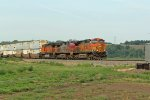 BNSF 4320 leads a Eb z train for Chicago.